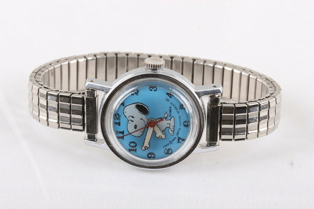 Vintage snoopy 1958 schulz signedw blue face wristwatch 7920 ebay for Snoopy watches