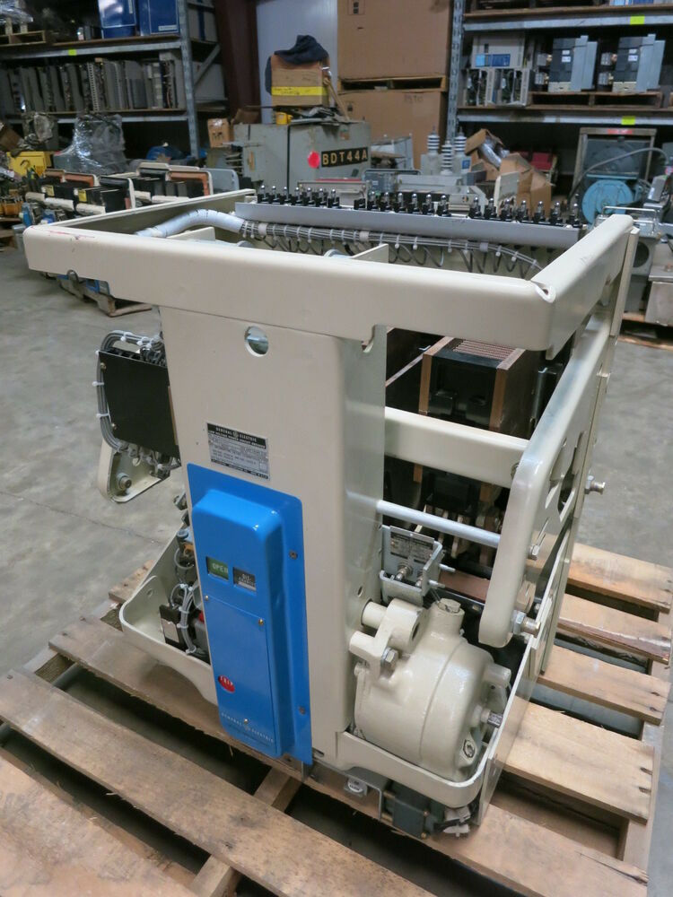 New general electric ak 3a 50s 1600a motor operated draw for Motor operated circuit breaker