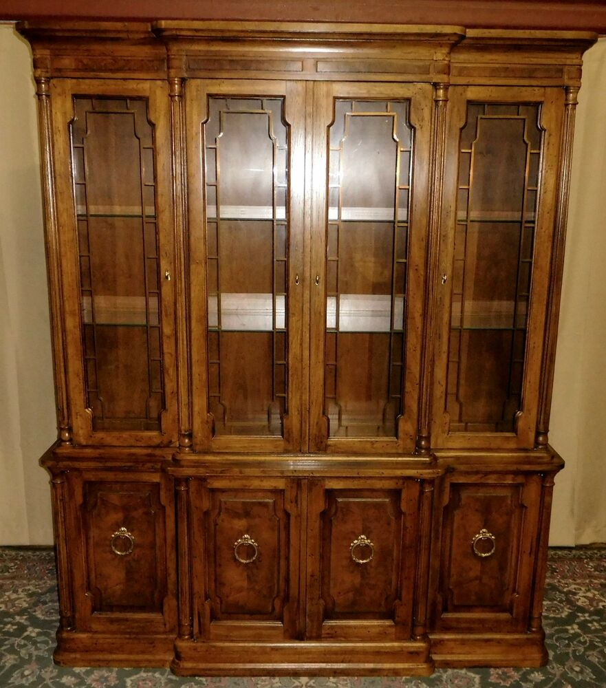 Vintage Drexel Furniture: DREXEL HERITAGE CHINA CABINET Lighted Neo Classical