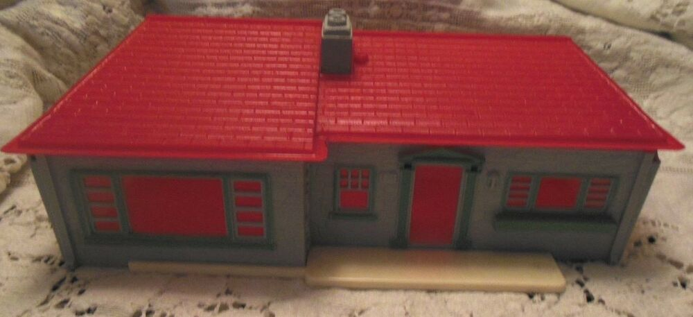 Vintage Small Plastic Dollhouse With Furniture 5 Rooms 1950 039 S Ebay