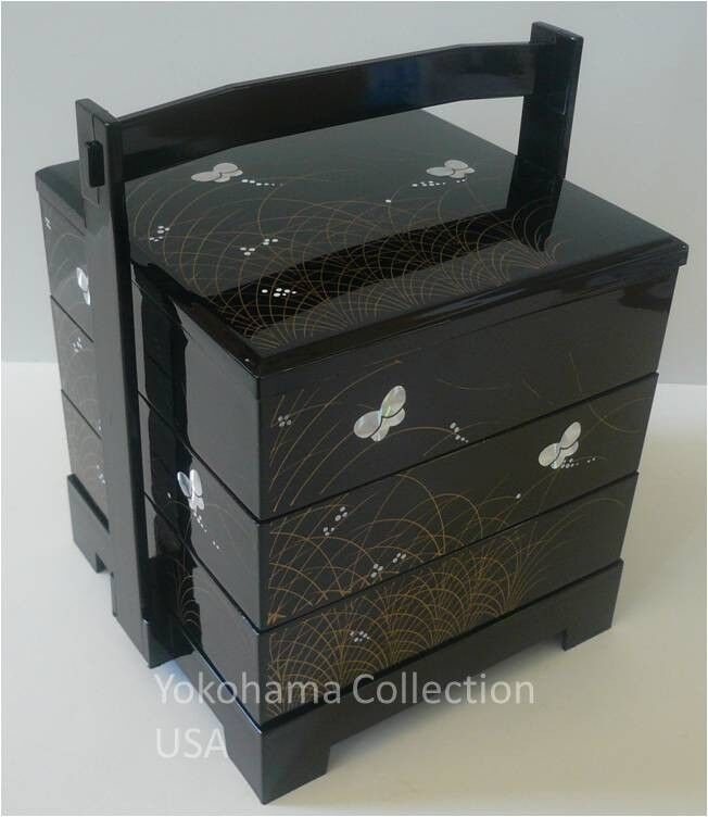 3 tier butterfly motif japanese jubako lacquer bento box w handle made in japan ebay. Black Bedroom Furniture Sets. Home Design Ideas