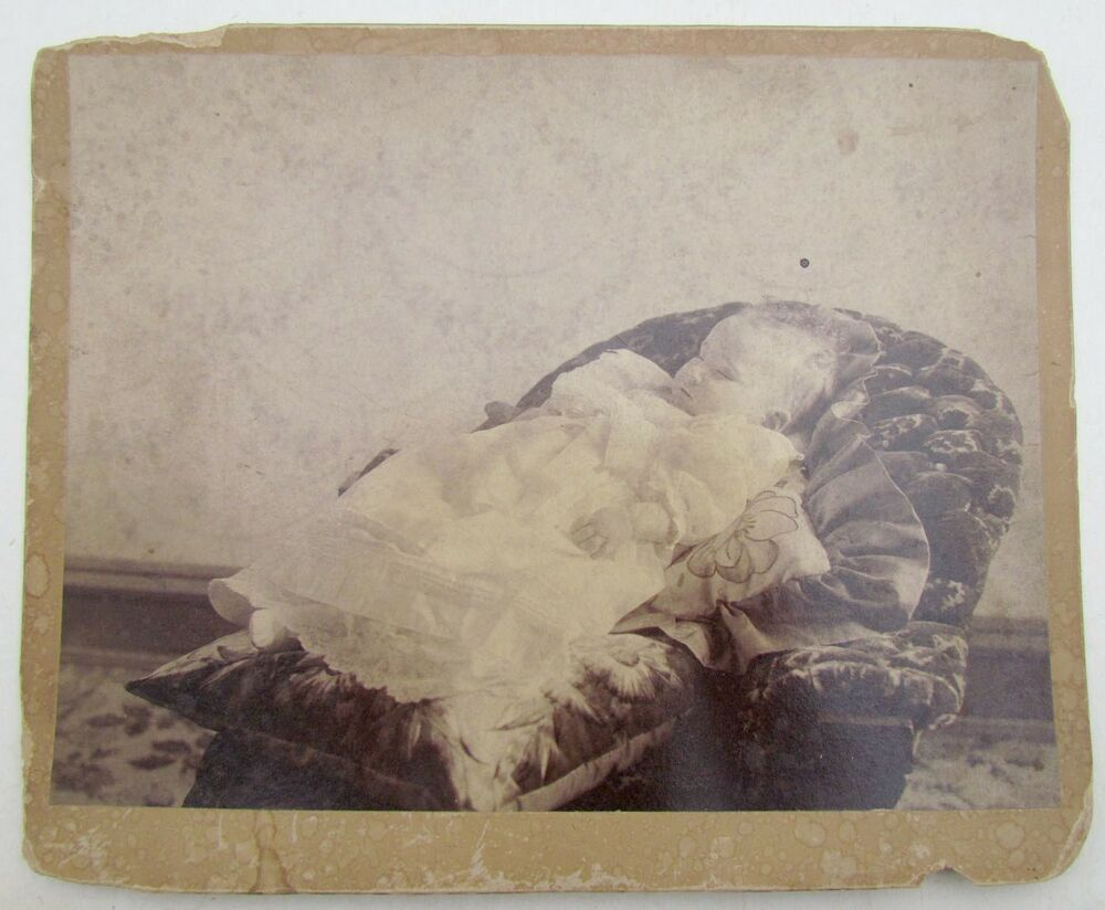 ANTIQUE POST MORTEM PHOTO OF THE BABY Large 8 By 10""