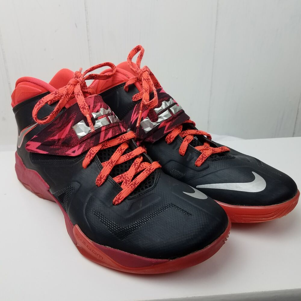 the latest 191a4 71a6e Details about Nike Zoom Soldier VII PP Lebron Black Red Men s Lace Tie Size  11