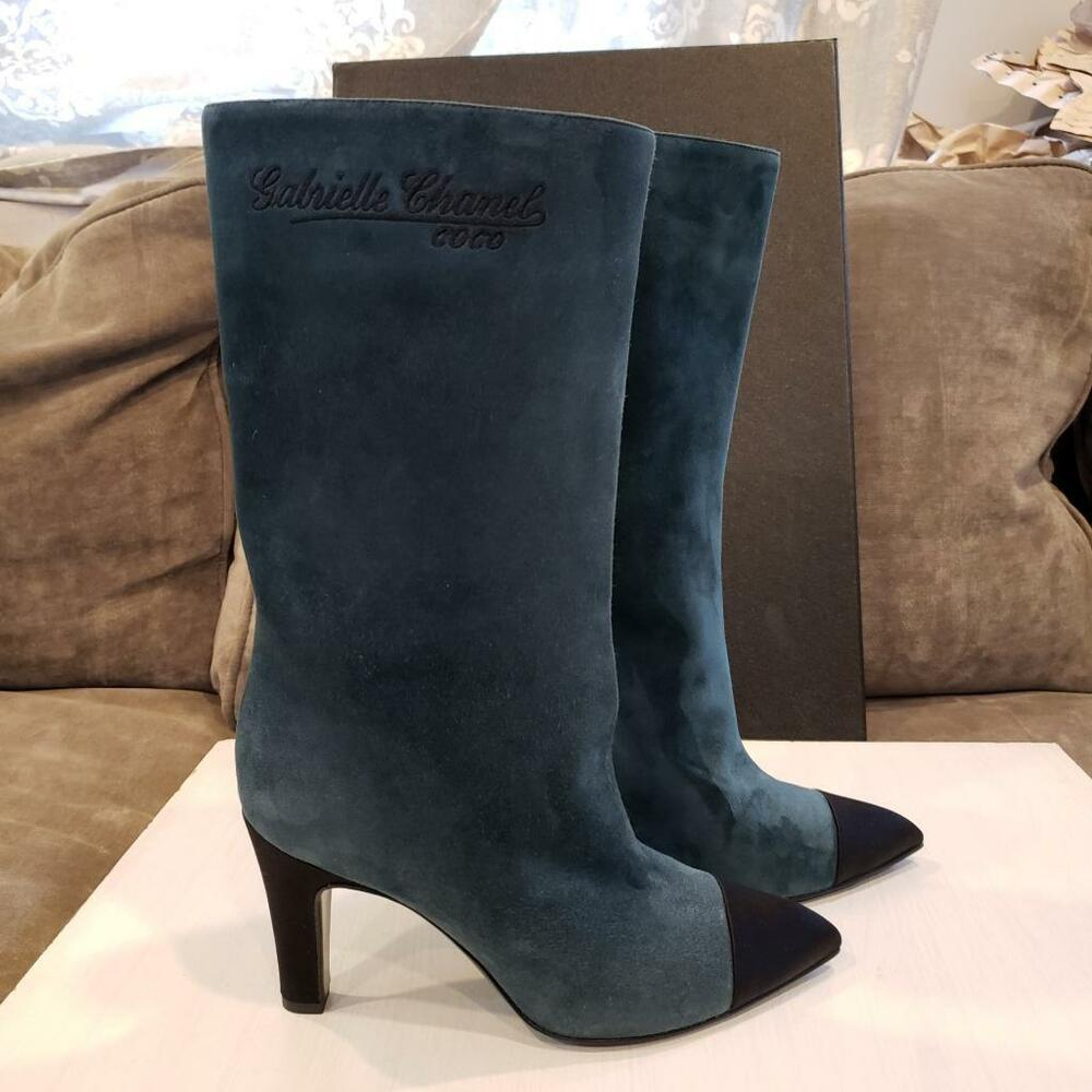 fd897396966c Details about CHANEL 17B Gabrielle Coco CC Signature Suede Cap Toe Boots  Heels Green  1450