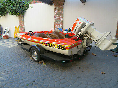 1972 Tahiti 17 ft 9 inch Boat with Johnson 235 HP 6 Cylinder Out Board Motor