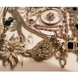 Kyпить Assorted 30 Piece Silver TONE Jewelry LOT Earrings Bracelets Necklaces Pins  на еВаy.соm