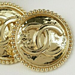 Kyпить Chanel Buttons ????  CC Gold 20 mm Vintage Style Unstamped 2 Buttons AUTH!!! на еВаy.соm