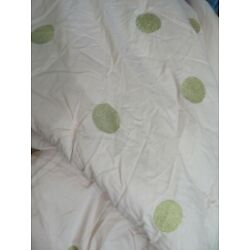 Kyпить POTTERY BARN TEEN EMILY & MERITT GOLD DOT QUILT PINK KING SIZE USED AS IS на еВаy.соm