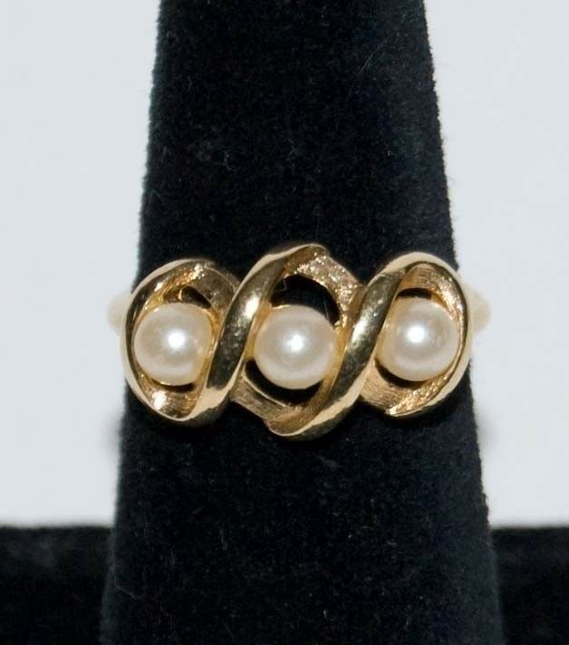 Vintage Avon 14k Gold Plated Faux Pearl Ring Ebay