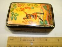 RUSSIAN PAPER-MACH?E SINGED LACQUER JEWELRY TRINKET BOX
