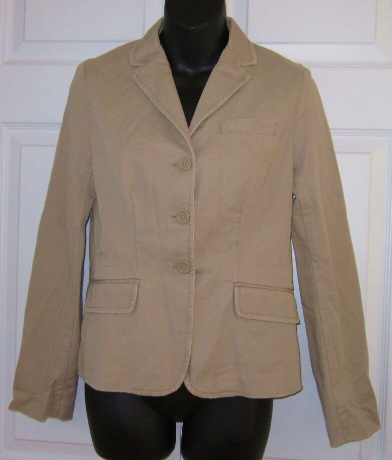 Jul 30, · mine is a Jil Sander cotton khaki blazer BTW. so far i've worn it with a lime green shirt, jeans, and white Chucks. -Jeff I'd say it could potentially affect the formality of the ensemble and what you'd wear with it, but it depends.