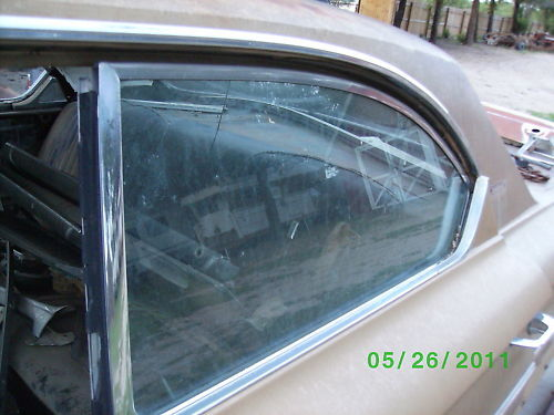 1964 64 ford galaxie 500 drivers side rear door glass for Back door with side window