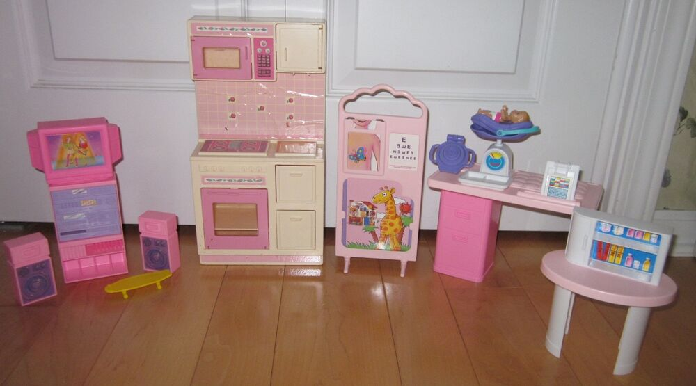 Barbie Large Lot Of House Furniture Doctor Items Kitchen Misc Pieces Ebay