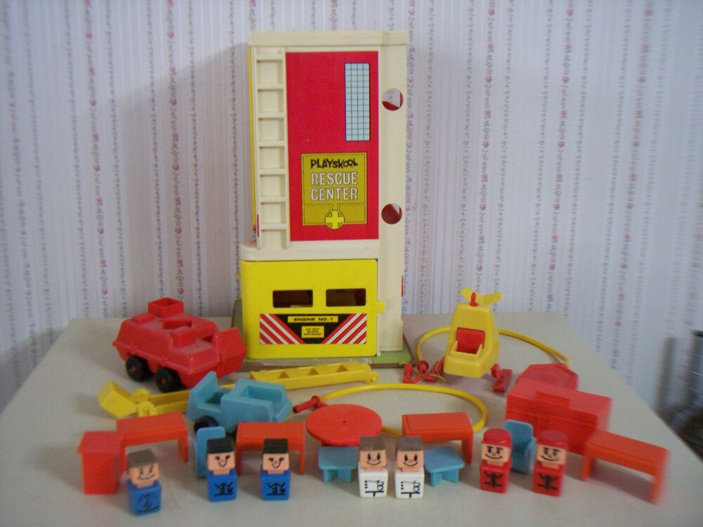 1973 playskool quotrescue centerquot little people playset 470