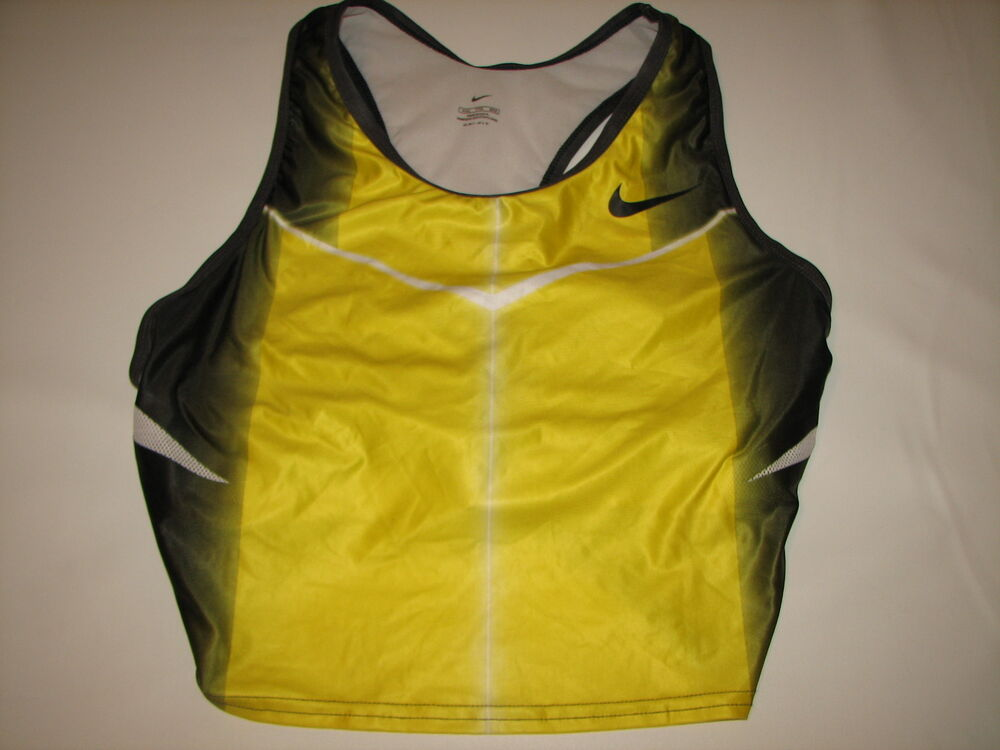how to cut a shirt like a track jersey