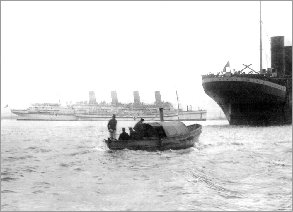 Photo rare view the hmhs aquitania the rms olympic in - Arquitania business ...