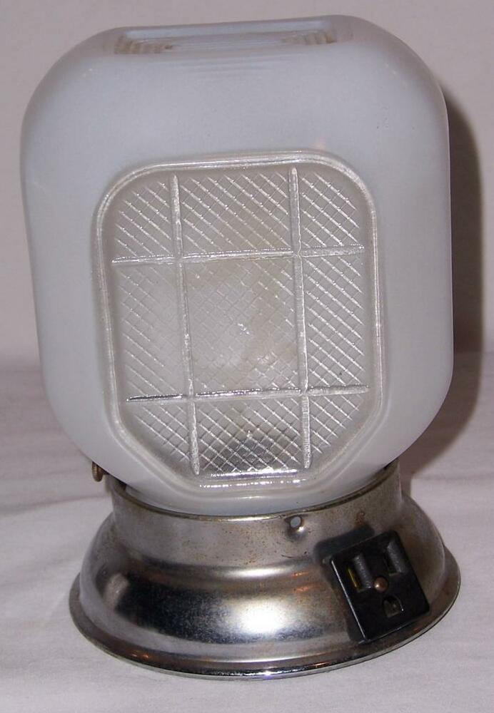 Wall Mounted Lamp With Outlet : Vintage Wall Mount Bathroom Lamp Milk Glass Hatch Style Globe W/ Rim Outlet USA eBay
