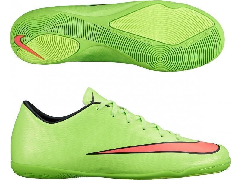 Soccer shoes for youth