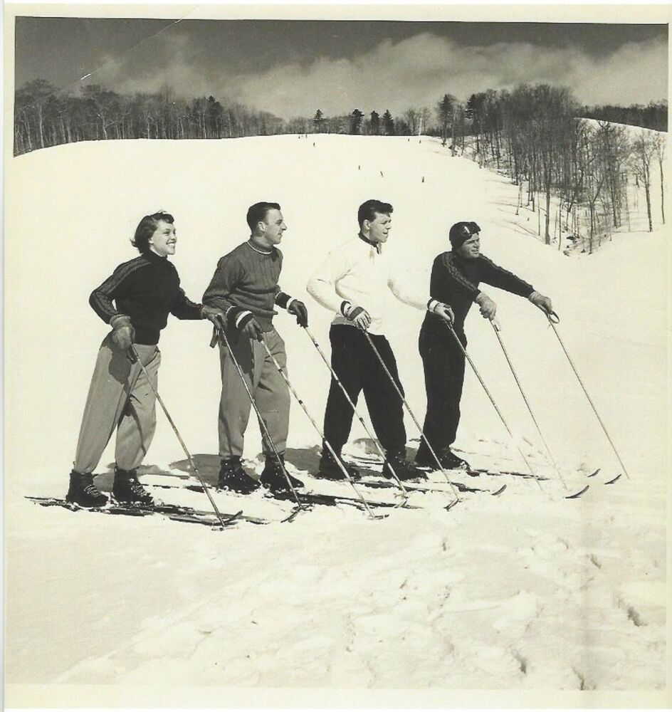 1950's/60's Skiing Mt. Mansfield Stowe Vermont 4 Skiers In