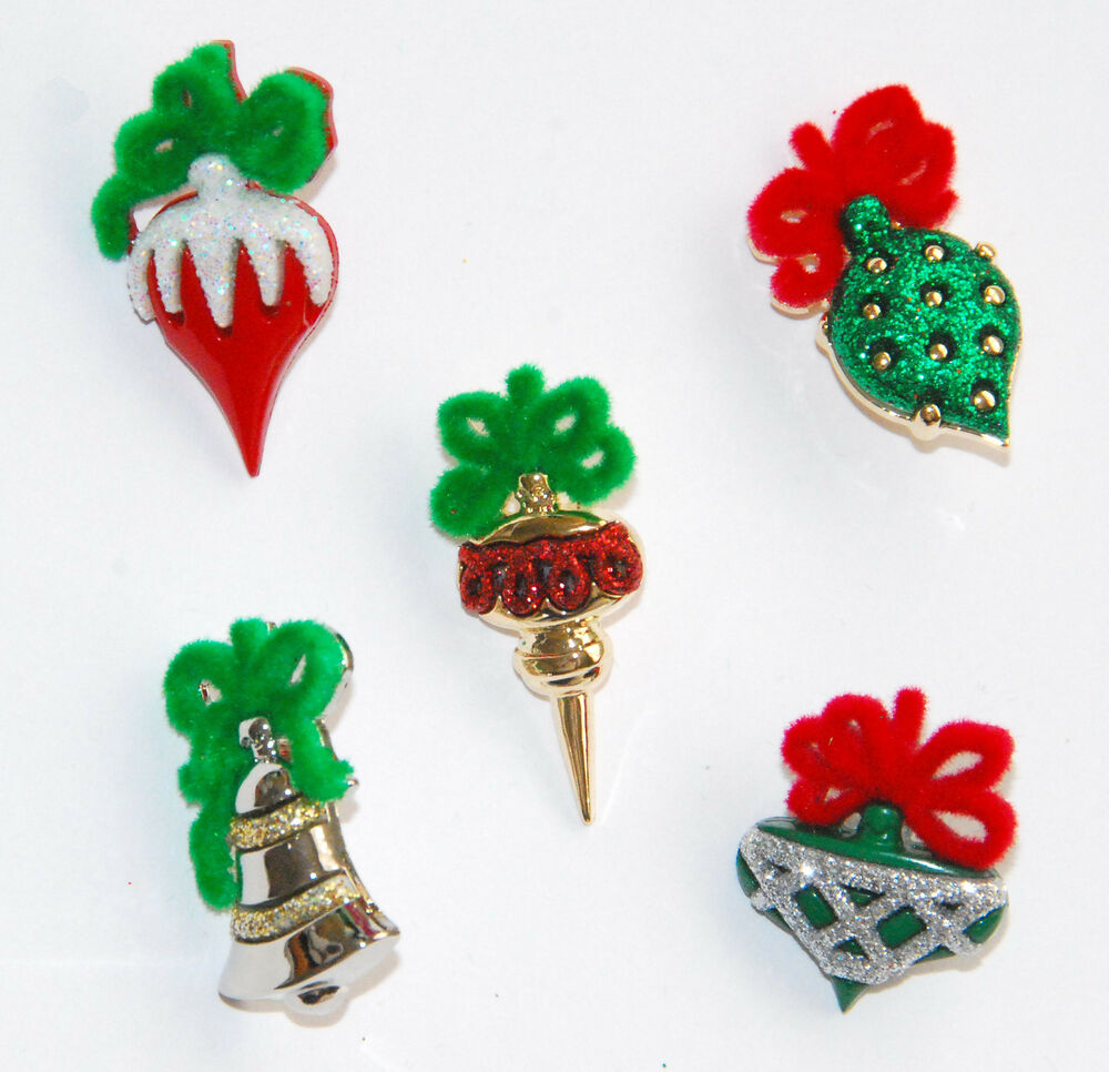 Christmas Ornament Buttons / Dress It Up Holiday Collection / Jesse ...