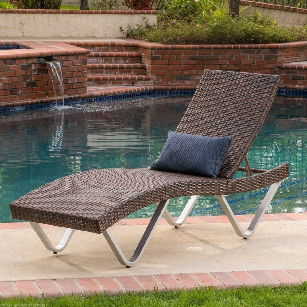 Outdoor patio furniture single adjustable brown pe wicker for Patio furniture chaise lounge