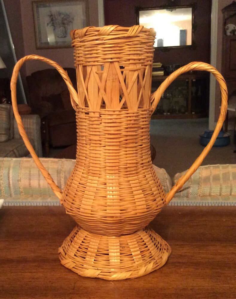 antique vintage decorative wicker basket tall urn with handles ebay. Black Bedroom Furniture Sets. Home Design Ideas