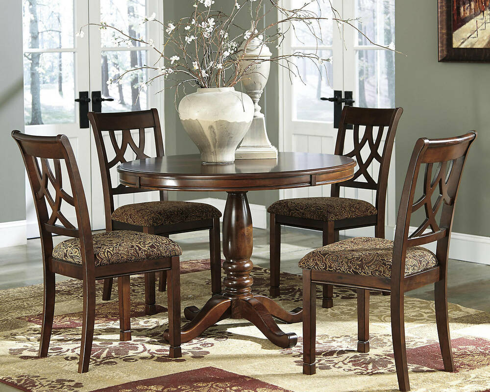 Signature Design Ashley Furniture Leahlyn Dining
