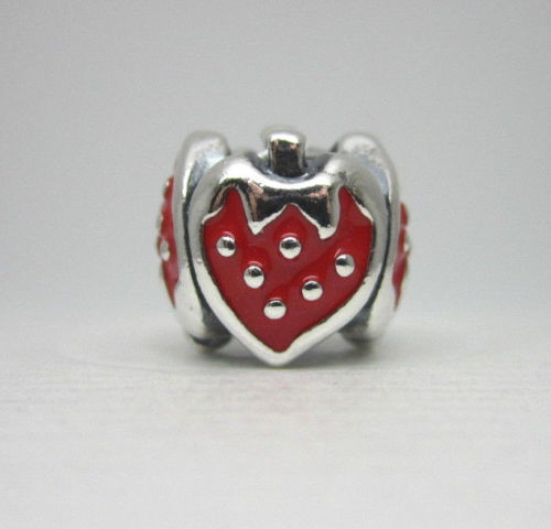 New  Authentic Pandora Charm Sweet Strawberry  791091en09