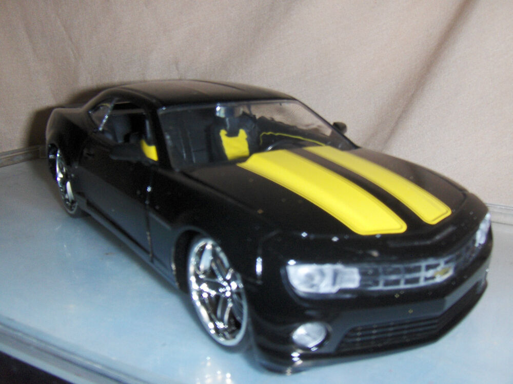 Toy Car Jada Dub 1:24 Black 2010 Chevy Camaro SS Yellow ...