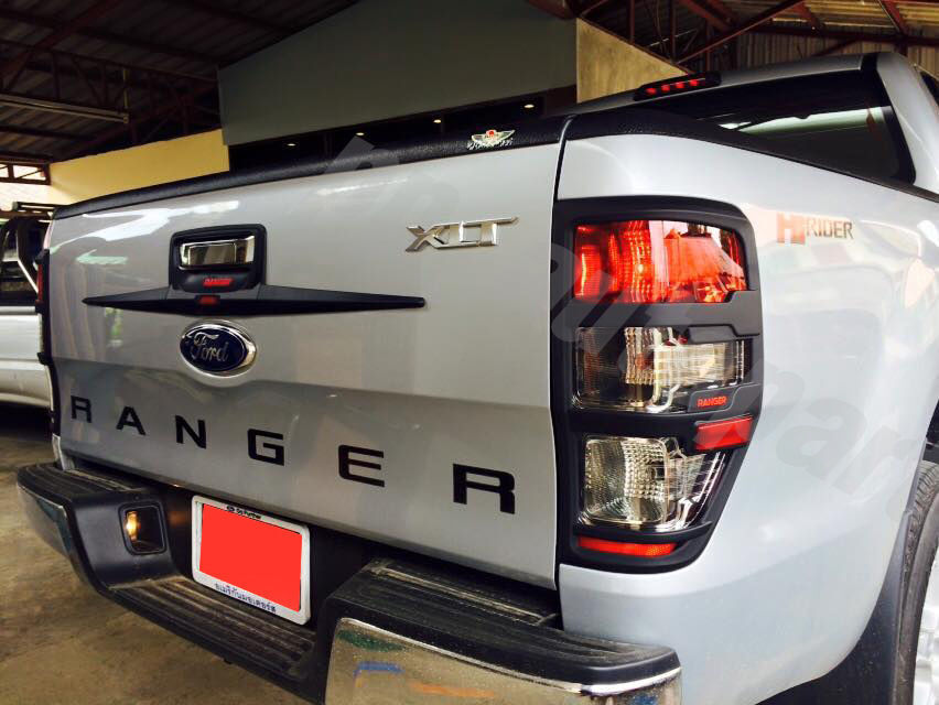 ford ranger solar with 381424569489 on Carro Da Semana Opiniao De Dono Hyundai I30 20092010 likewise Pop Top For Land Rover Defender besides Kt World First 12 Pin Flat Metal Trailer Plug Socket moreover Razorback Bullbar Ford Ranger Px further Fight Club Review Empire.