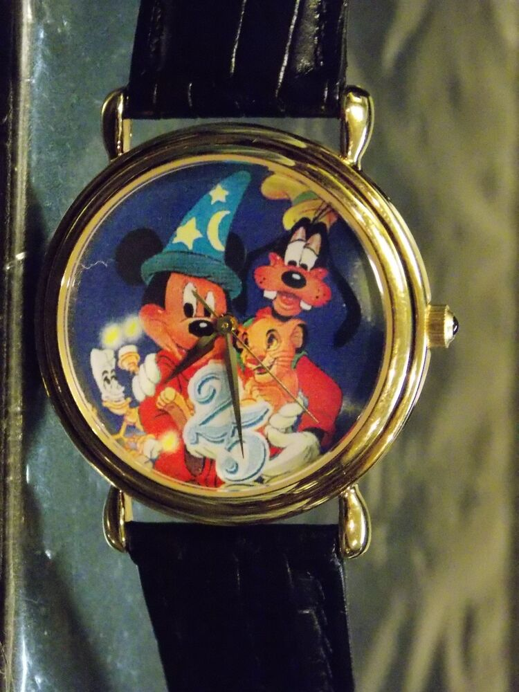 Mens Disney Parks Artist Vintage Mickey Mouse Watch Goofy