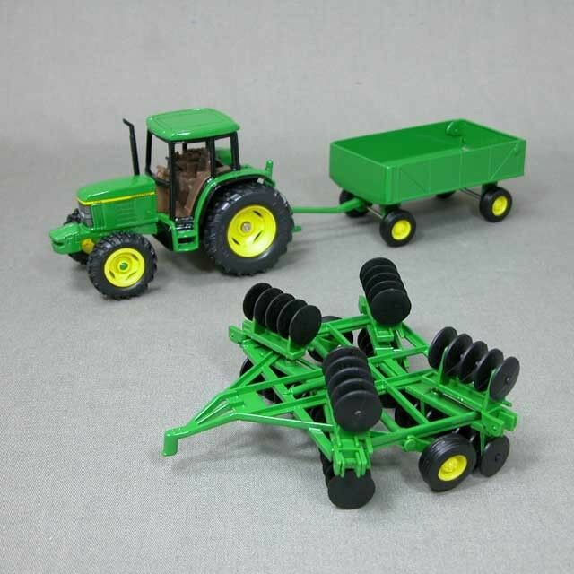 Animated John Deere Tractors And Wagon : New john deere tractor with wagon and disk scale