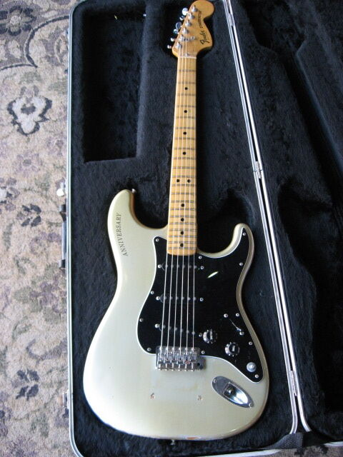 1979 fender stratocaster 25th anniversary electric guitar silver rare vintage ebay. Black Bedroom Furniture Sets. Home Design Ideas