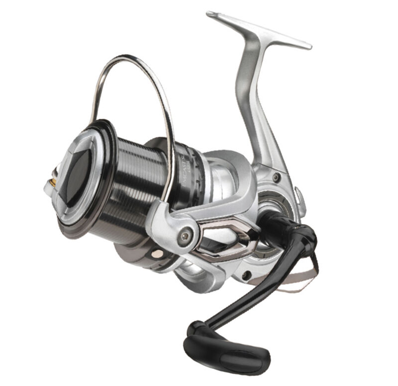 Daiwa new emcast surf reels sizes available 4500 or 5000 for Surf fishing reels