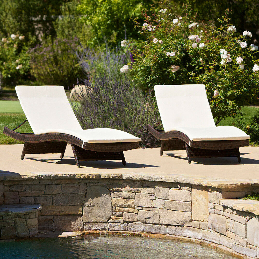 set of 2 outdoor patio pool adjustable wicker chaise lounge chairs w cushions ebay. Black Bedroom Furniture Sets. Home Design Ideas