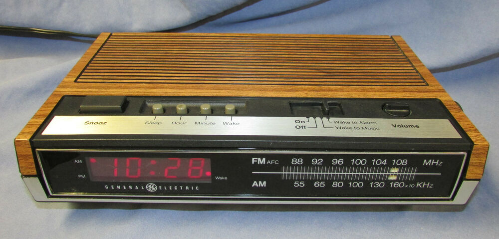 ge general electric digital alarm clock am fm radio vintage faux wood 7 4630d ebay. Black Bedroom Furniture Sets. Home Design Ideas