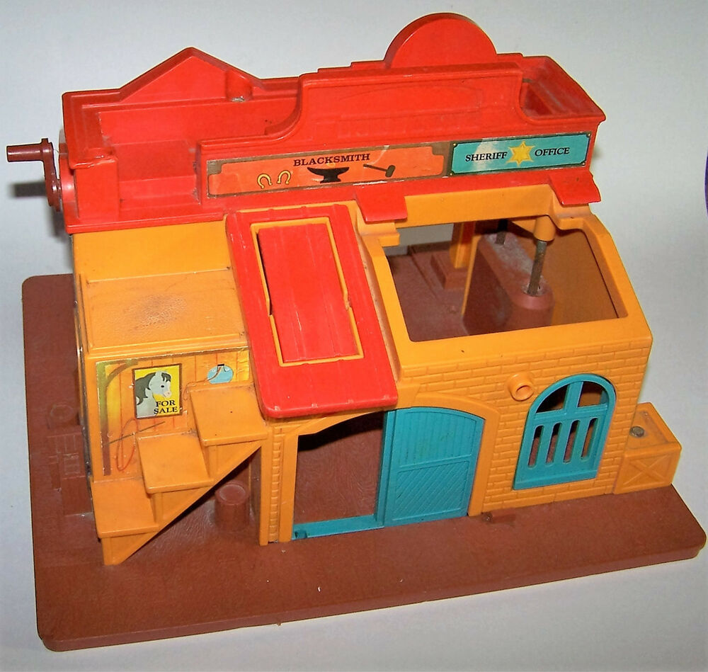 Vintage 1982 Fisher-Price Little People Family Western Town #934 Old West 93419000082   eBay