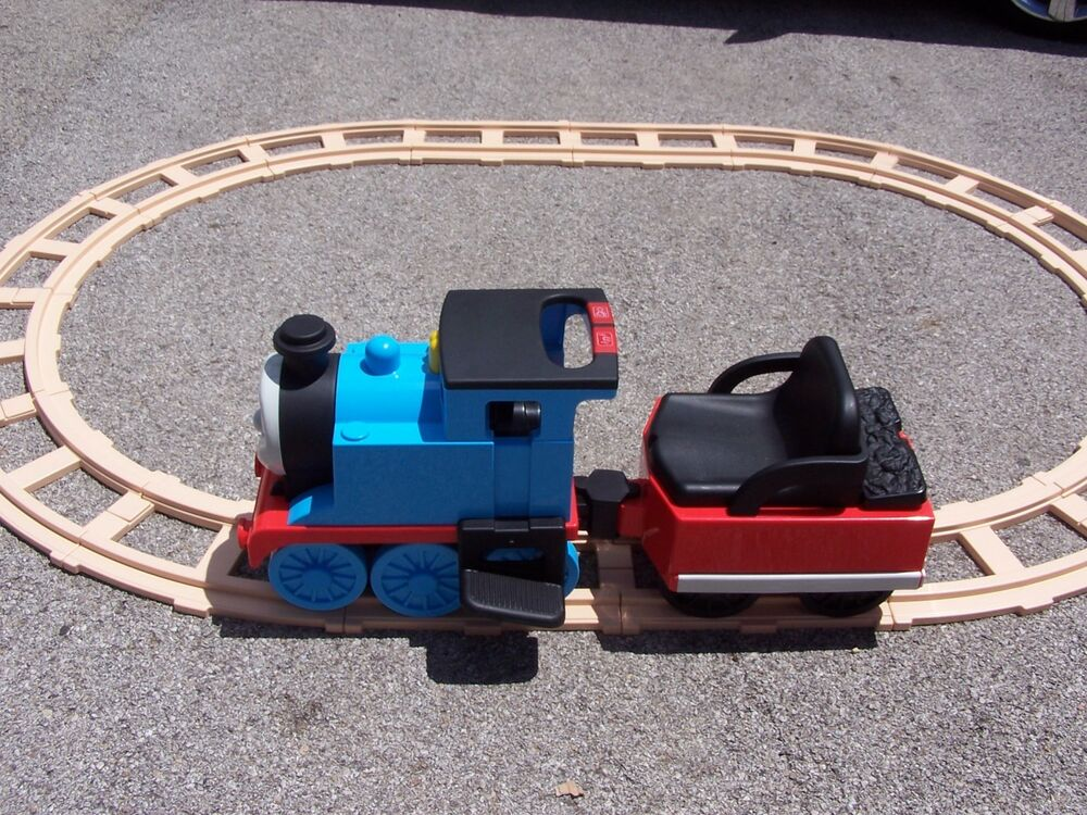 Peg Perego Thomas The Train Ride On With Circle Track