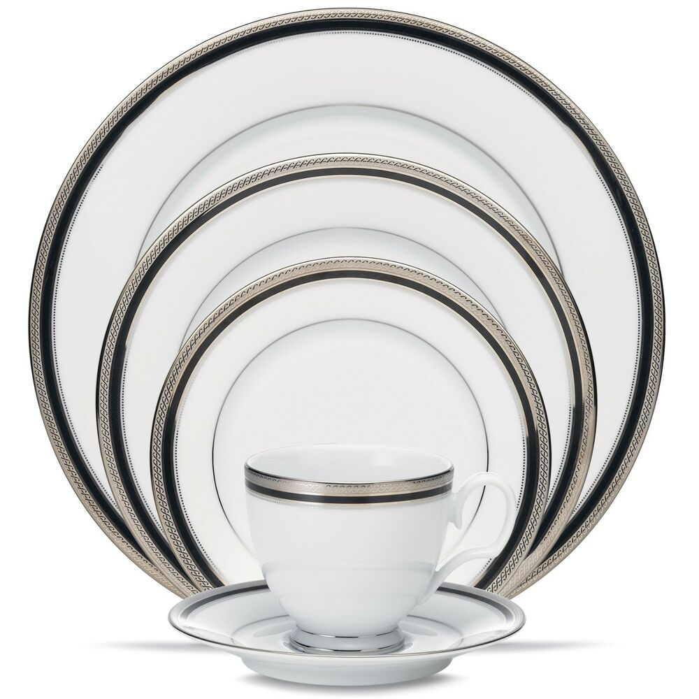 China Kitchen Austin: Noritake Austin Platinum 20Pc China Set, Service For 4