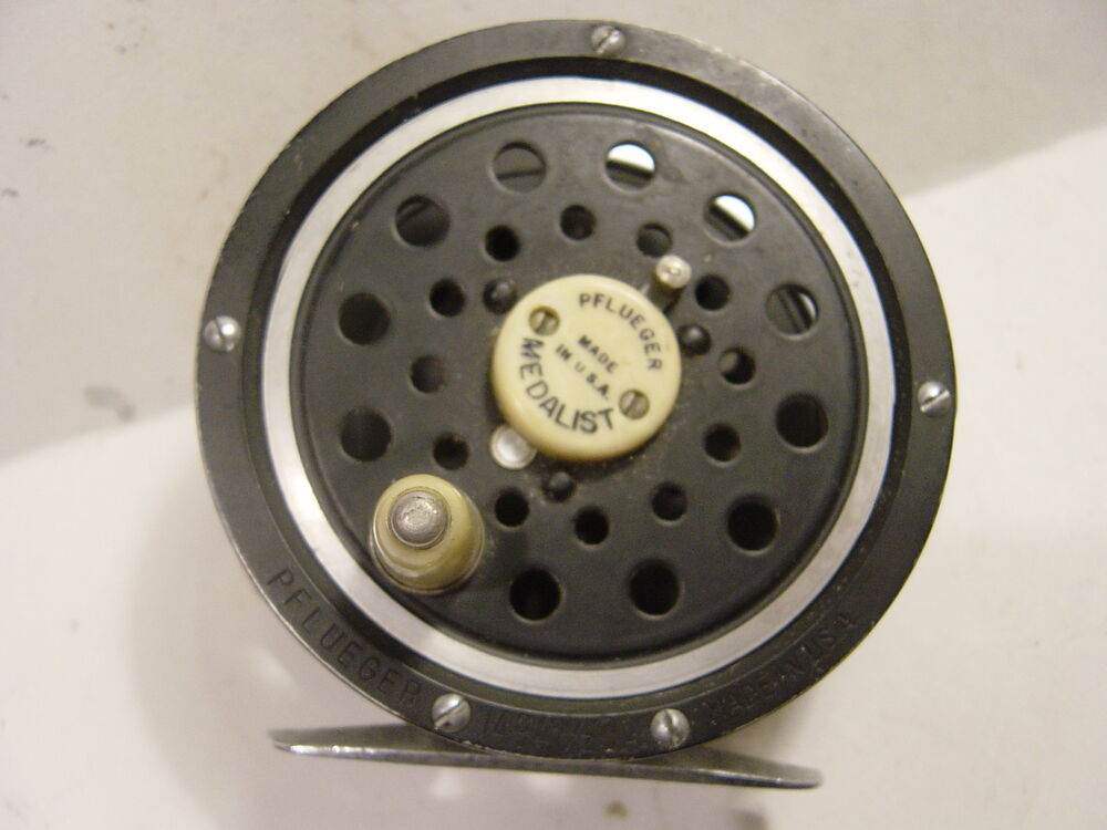 Pflueger medalist 1494 1 2da fly fishing reel ebay for Fly fishing reels ebay