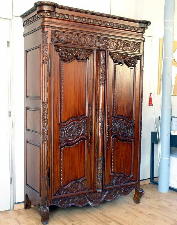 gro er mahagoni schrank armoire hochzeitsschrank normandie kleiderschrank massiv ebay. Black Bedroom Furniture Sets. Home Design Ideas