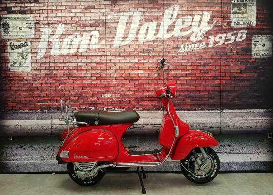 2015 (65) Piaggio Vespa PX 150 Red only 100 miles from new . Excellent condition