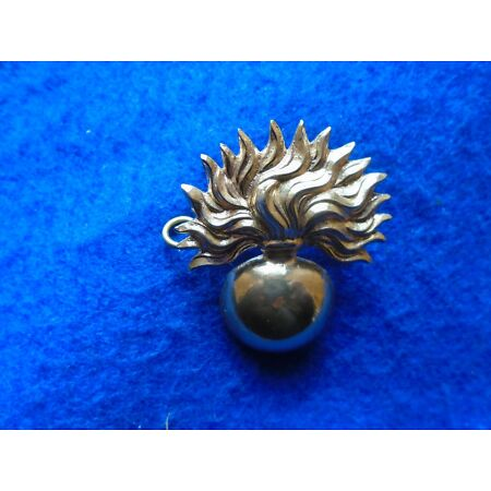 img-NEW GRENADIER GUARDS CAP BADGE + GIFT BOX, WW1, WWII, CURRENT ISSUE
