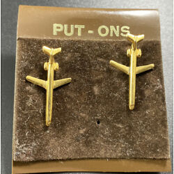 Kyпить Vintage Airplane Tac Lapel Pins Set Of Two Gold Tone 3D Plane Flying на еВаy.соm
