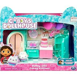 BAKEY WITH CAKEY CAT KITCHEN Gabby's Dollhouse 2 SURPRISE ACCESSORIES 9 Pieces!!