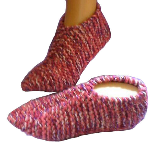 Knitwitz © Pixie Slipper Socks/Dorm Knitting Pattern