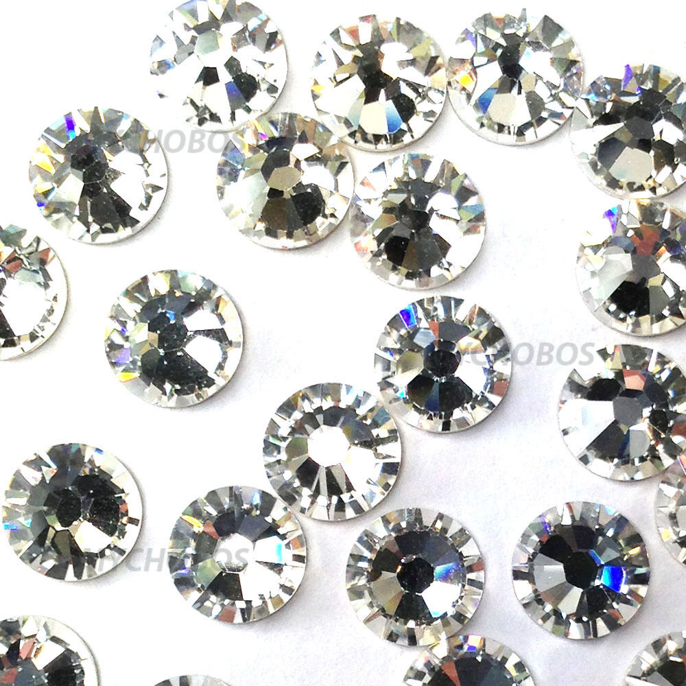 how to buy rhinestones When it comes to picking rhinestones for your project, there are a lot of things to consider. Despite their size, these tiny gems come in a variety of options, but the first thing you'll need to determine when buying rhinestones is what they're made of.