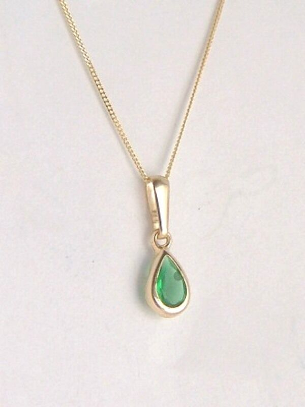 classic 9ct gold small teardrop emerald pendant charm