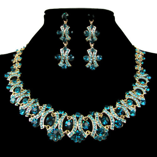 Rhinestone jewelry is an inexpensive and beautiful alternative to most crystals, offering all of the luster and beauty of gemstones. Add a sparkle to any outfit with a .