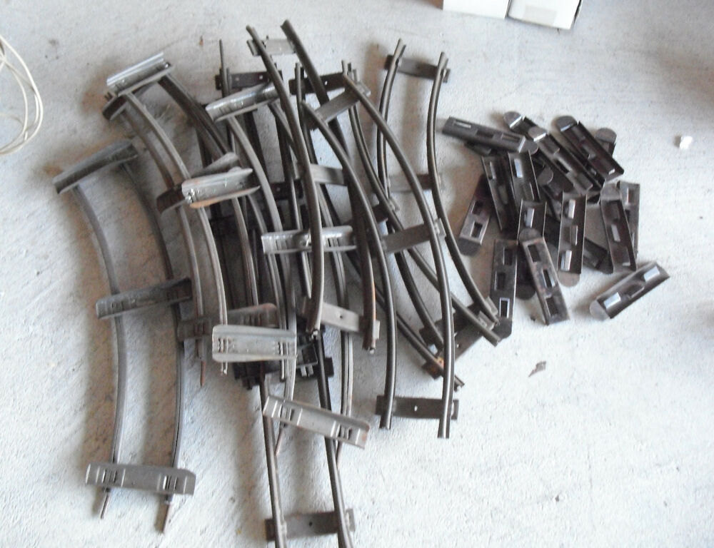 lot of vintage metal o scale track sections and metal. Black Bedroom Furniture Sets. Home Design Ideas